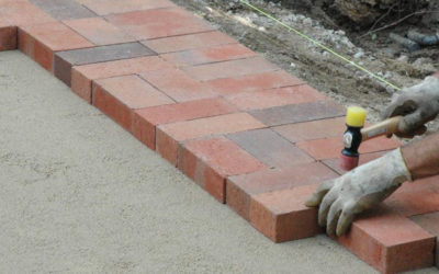 laying brick pavers
