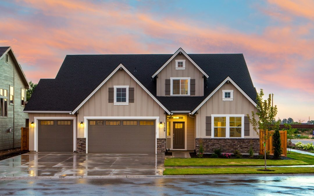 When to Repair or Replace a Garage Door